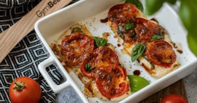 Fitness recept: Pečena piletina Caprese