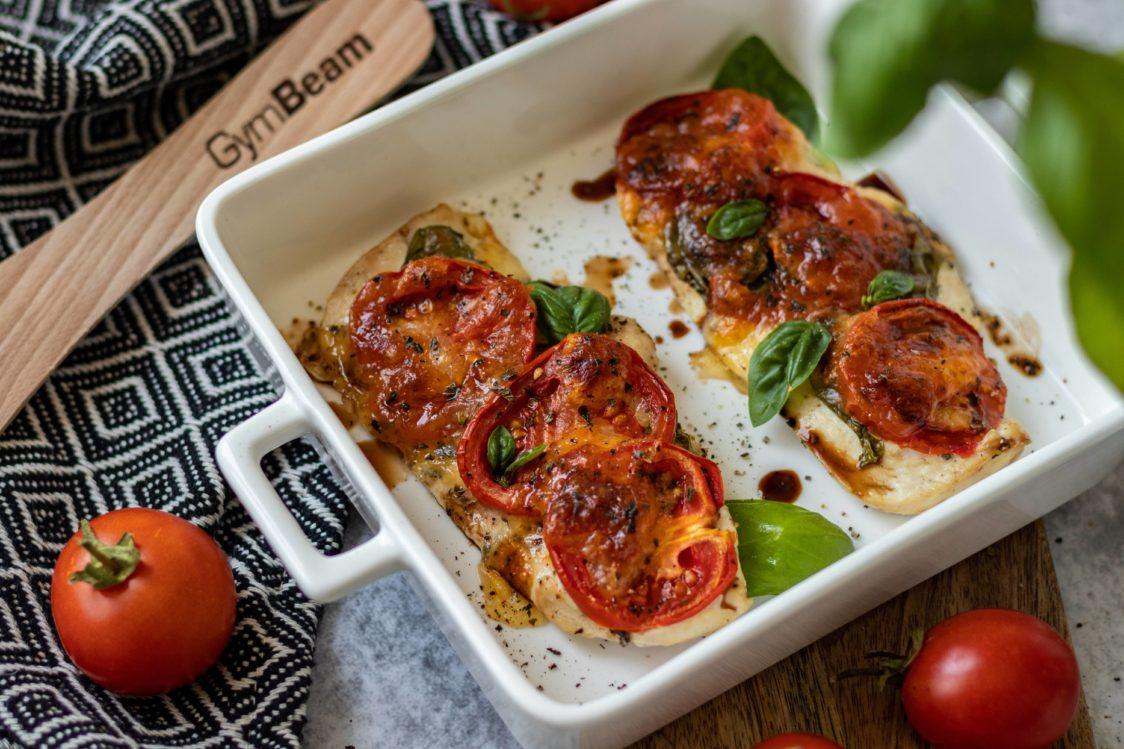 Fitness recept: Pečena Caprese piletina