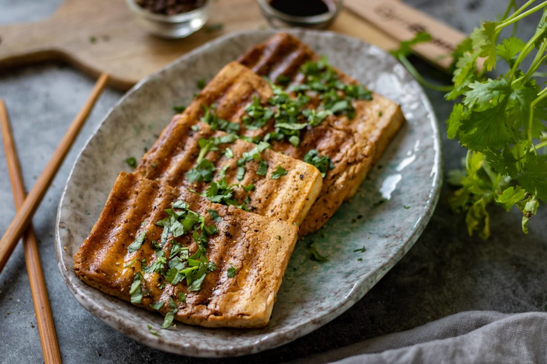 Fitness recept: Chrumkavé tofu steaky