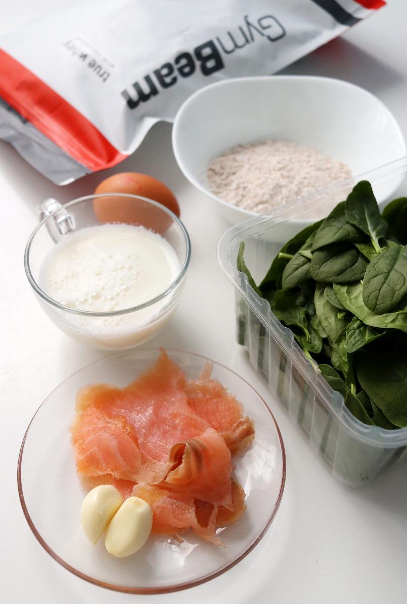Ingrediente pentru pregătirea clătitelor proteice sărate