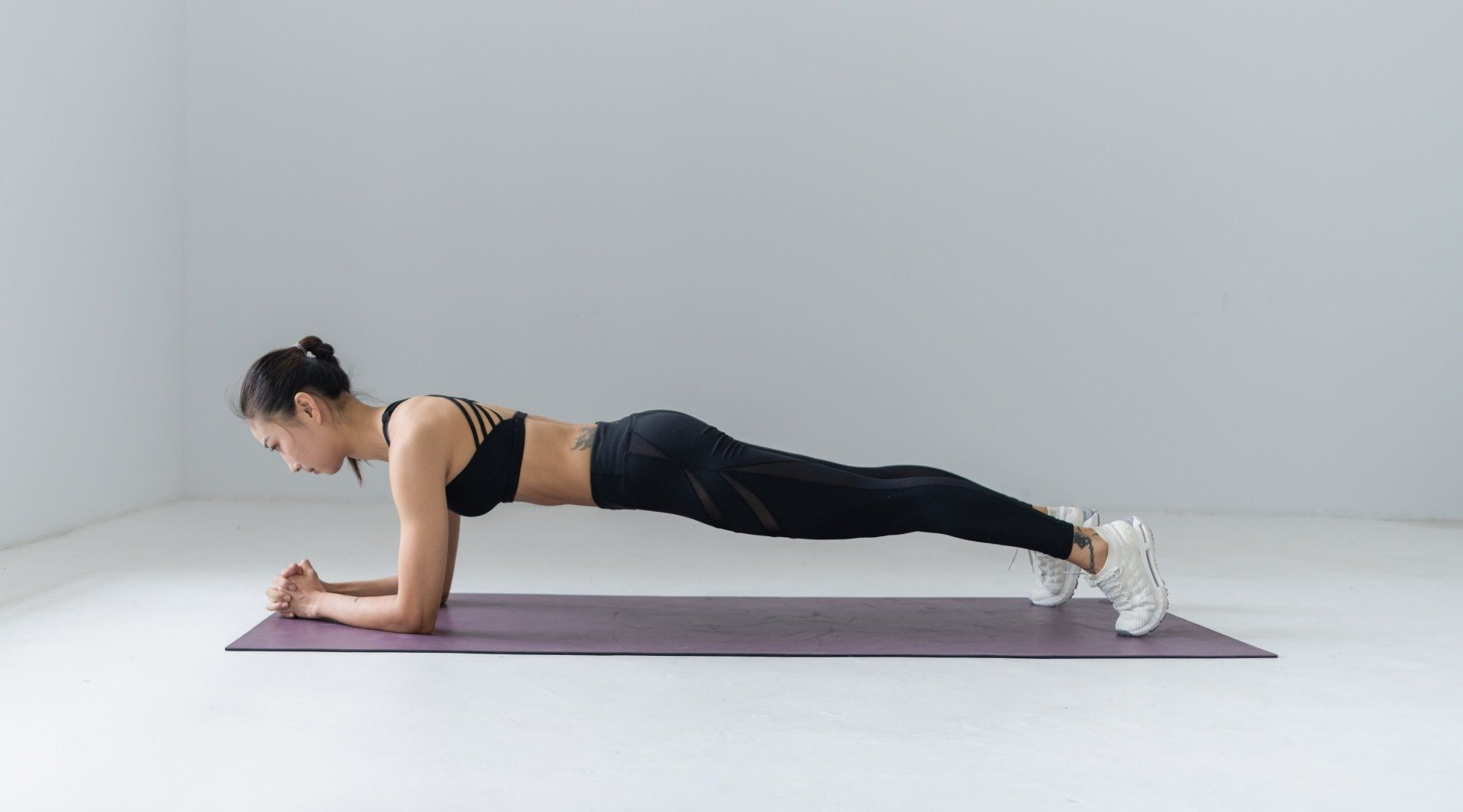 Exerciții pentru abdomen - plank