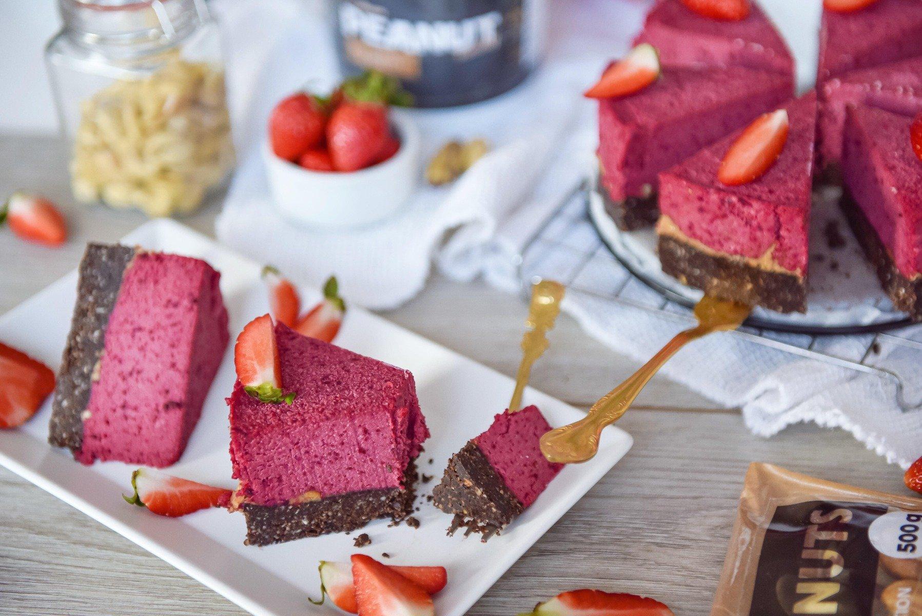 Valentin-napi fitness recept: könnyű RAW torta fehérjével és mogyoróvajjal